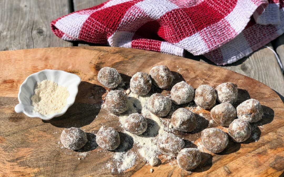 Almond Butter Raw Energy Balls