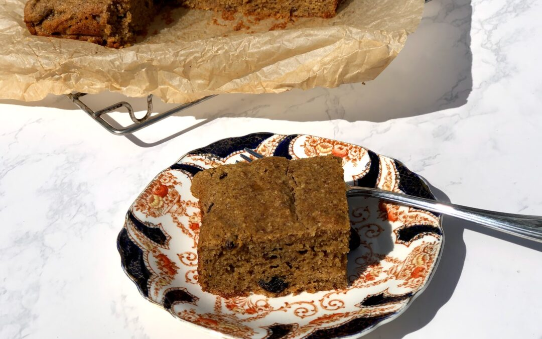 Applesauce Gingerbread Cake